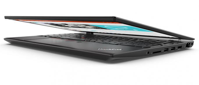 Lenovo ThinkPad P52s to urodziwa obudowa, czytnik kart pamięci, imponujący procesor Core i7 ósmej generacji, 16 giga pamięci ram, 512 giga na dysku SSD, matowa matryca, podświetlana klawiatura, system operacyjny Windows 10, porty typu USB, jeden port HDMI, niska masa własna i pojemna bateria